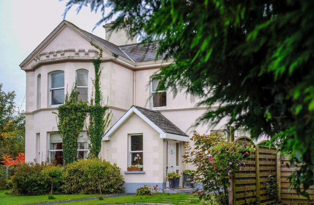 Galway Banba House outside