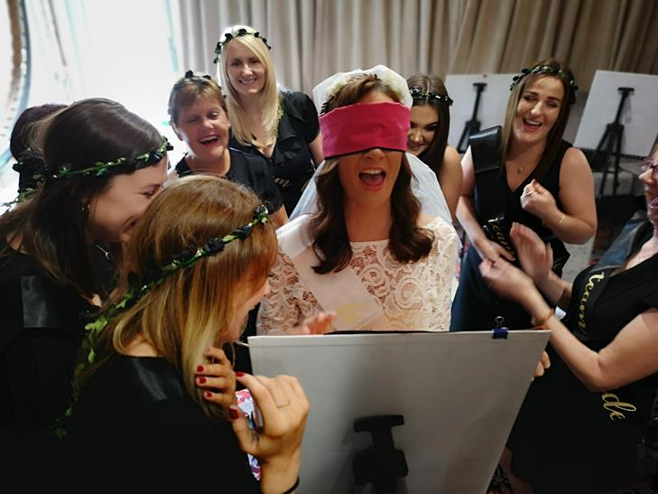 Draw-a-Nude-Hen-Party-Daytime-activity-Galway-TheHen.ie