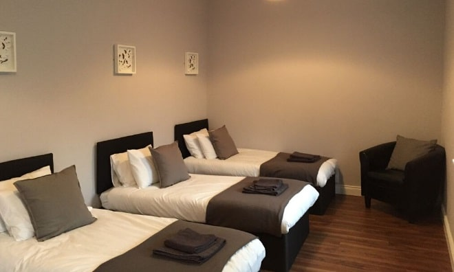 Carrick on Shannon Main street self catering hen party apartments, TheHen.ie, Hen party packages, accommodation activities Irela (3)