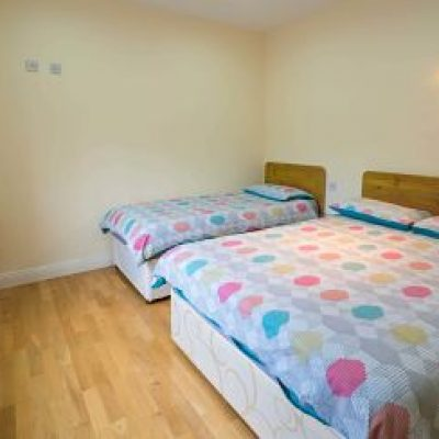 Carrick on Shannon Self Catering House, Ideas, Packages - Carrick Villa Bedroom 2 - TheHen_opt