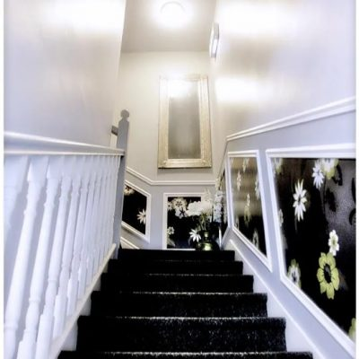 Carrick on Shannon hen party packages, ideas and activities, Carrick Town Centre Suites, stairs, www.thehen.ie